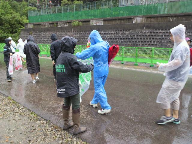 フジロックフェスティバル 2011 <br /> ごみゼロナビゲーションボランティア活動報告4